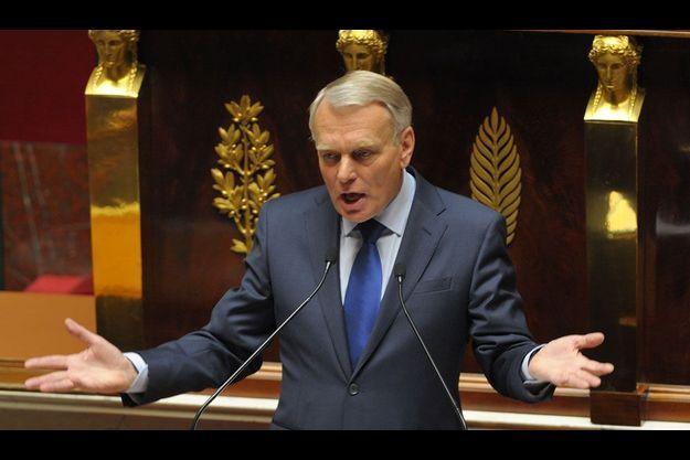 Jean-Marc Ayrault prononce son discours de politique générale, mardi.