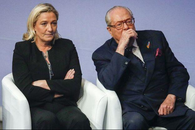 Jean-Marie et Marine Le Pen, à Lyon en novembre 2014.