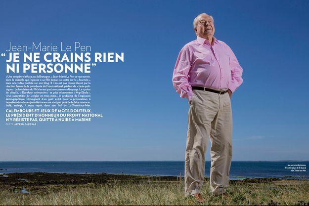 Sur ses terres bretonnes, devant la plage du Ty Guard, à La Trinité-sur-Mer.