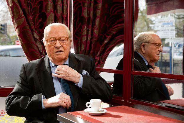 Jean-Marie Le Pen nous reçoit dans un restaurant proche de chez lui à Saint-Cloud.
