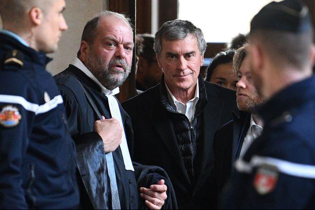 Jérôme Cahuzac et son avocat Eric Dupond-Moretti, lundi.