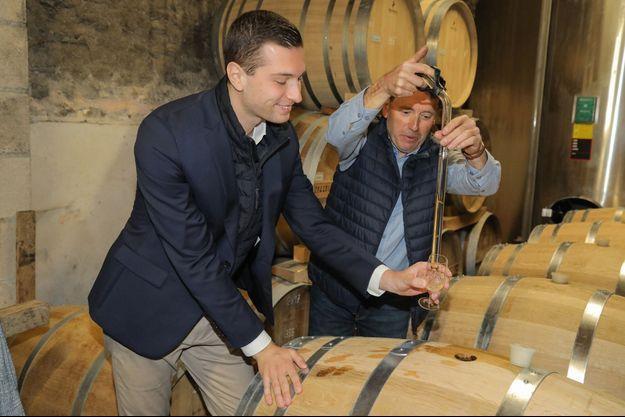 En visite à la tonnellerie de cognac de Gensac-la-Pallue (Charente) en juillet 2020.