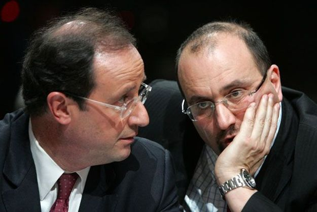 Julien Dray (D) a reçu un certain nombre de soutiens, dont celui de François Hollande. (Reuters)