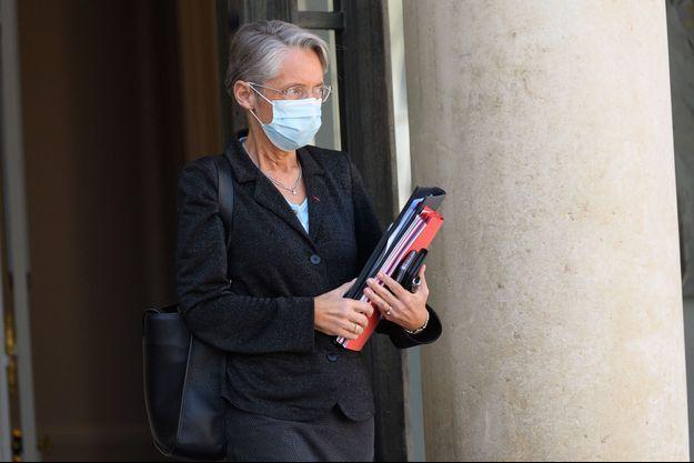 La ministre du Travail Elisabeth Borne , à l'Elysée fin mars.