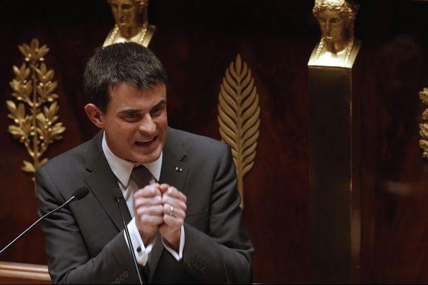 Manuel Valls à la tribune de l'Assemblée nationale, jeudi.