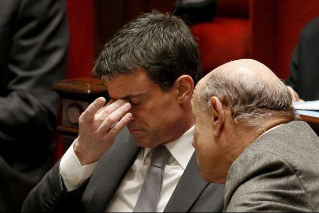 Jean-Marie Le Guen a confirmé que l'exécutif hésitait à maintenir son projet d'inscrire dans la Constitution la déchéance de nationalité.