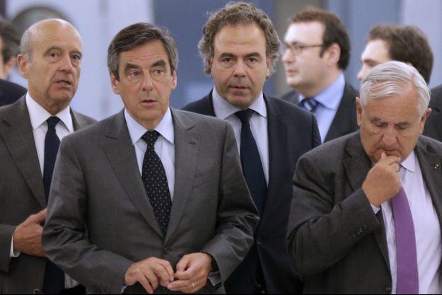 Le «triumvirat» composé des anciens Premiers ministres Alain Juppé, Jean-Pierre Raffarin et François Fillon, et le secrétaire général Luc Chatel.