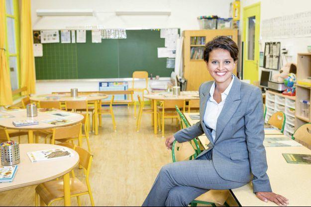 Najat Vallaud-Belkacem dans une classe de l'école maternelle Saint-Dominique, à Paris, dans le VIIe arrondissement, lundi 24 août.