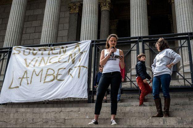 Manifestation de soutien à la famille de Vincent Lambert, à Lyon dimanche.