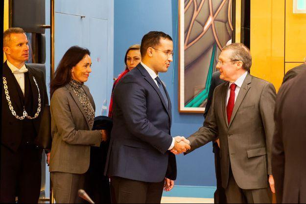 Alexandre Benalla salue Philippe Bas, en janvier dernier au Sénat.