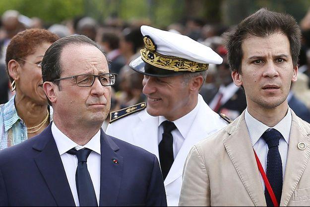 François Hollande et Gaspard Gantzer à Fort-de-France le 9 mai 2015.