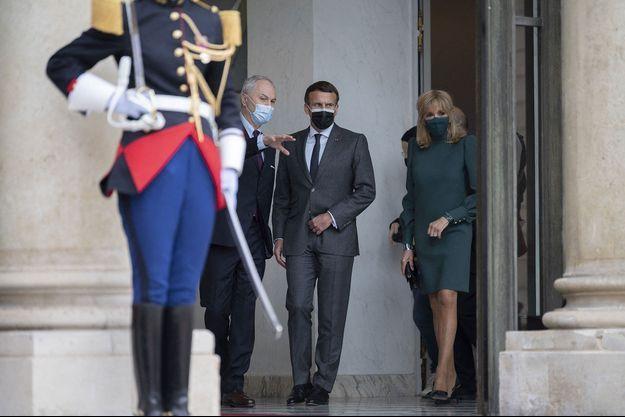 Emmanuel et Brigitte Macron, ici en mai dernier à l'Elysée.
