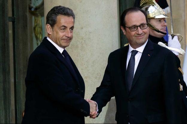 Nicolas Sarkozy et François Hollande dans la course présidentielle. Ici, sur le perron de l'Elysée, le 8 janvier.