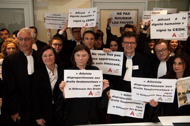 Lundi 23 avril, manifestation des avocats à l'occasion des premières audiences correctionnelles au tribunal de grande instance (TGI) de Paris.