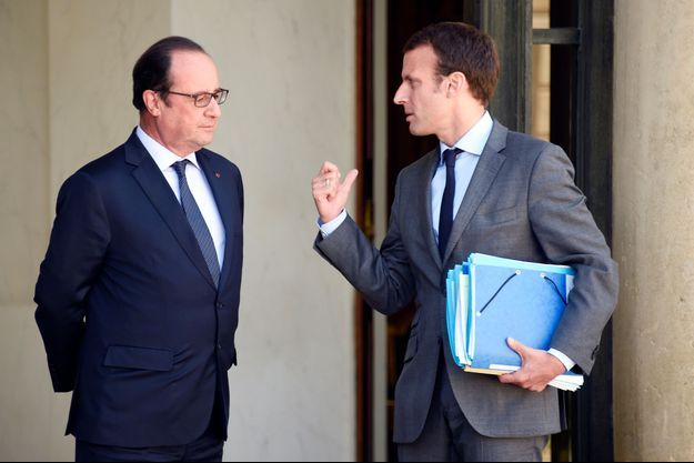 François Hollande et Emmanuel Macron sur le perron de l'Elysée (photo d'illustration)
