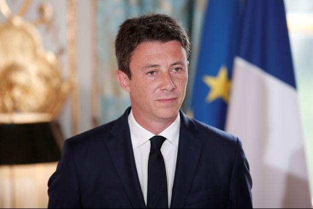 """La loi sur les """"fake news"""" sera présentée """"avant la fin de l'année"""", assure le porte-parole du Gouvernement, Benjamin Griveaux."""