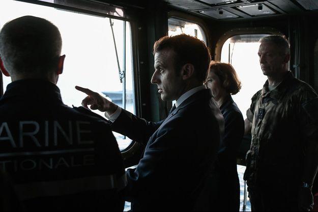 Emmanuel Macron à bord du porte-avions Charles de Gaulle, mercredi.