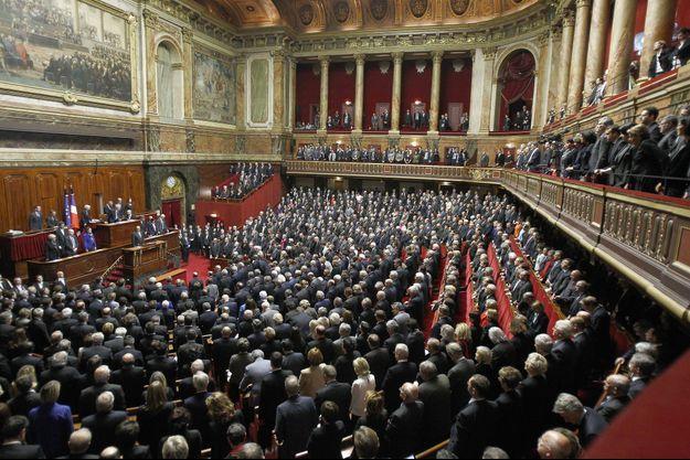 Les parlementaires lors du Congrès, à Versailles, lundi.