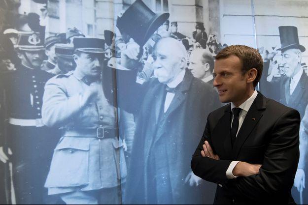 Emmanuel Macron le 11 novembre visitant le musée Clemenceau à Paris.