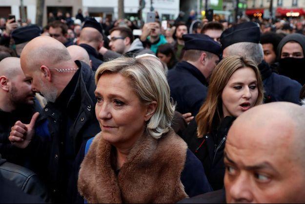 """Marine Le Pen, lors de la """"marche blanche"""" contre l'antisémitisme à Paris."""