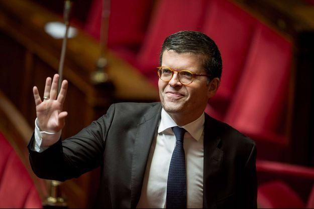 Le député PS du Val-de-Marne Luc Carvounas a annoncé sa candidature à la tête du Parti socialiste.