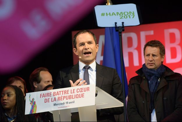 Benoit Hamon lors de son meeting place de la République à Paris.