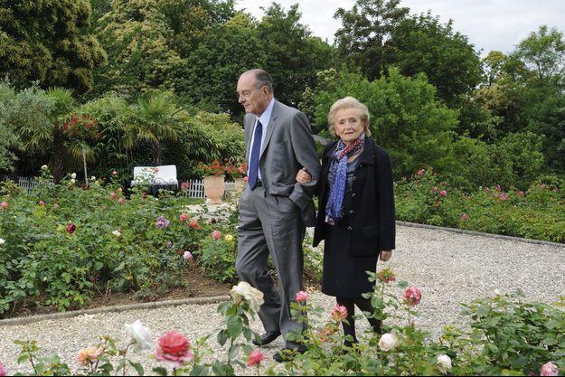 Dans les jardins de Line Renaud, à Rueil-Malmaison, en 2011.