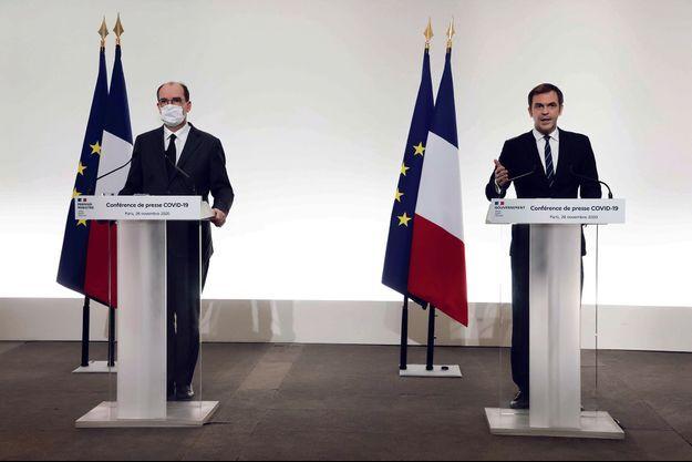 Jean Castex et Olivier Véran lors d'une conférence de presse sur le Covid-19, le 26 novembre.
