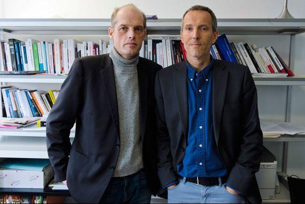Fabrice Lhomme et Gérard Davet , les auteurs d'«Un Président ne devrait pas dire ça...»