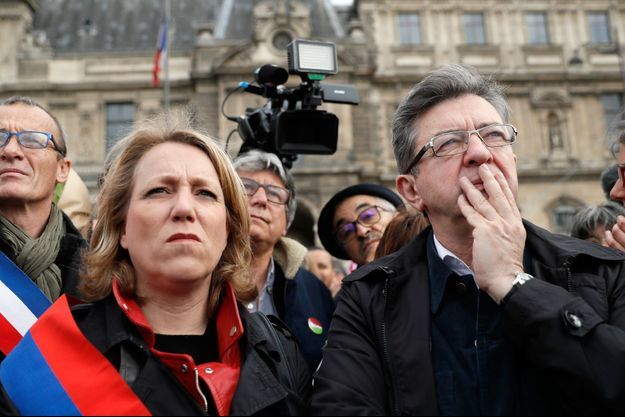 Danielle Simonnet , ici avec Jean-Luc Melenchon en mai dernier à Paris.