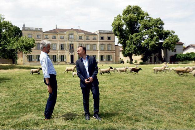 Laurent Wauquiez et Stéphane Bern visitent le futur musée Saint-Exupéry, le 18 juin.