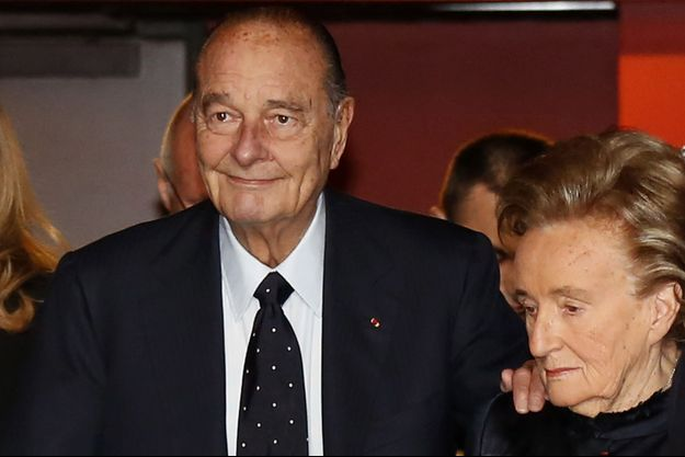 """Jacques Chirac et son épouse Bernadette au """"Prix de la Fondation Chirac"""", au Musee du Quai Branly, à Paris, le 21 novembre 2013."""