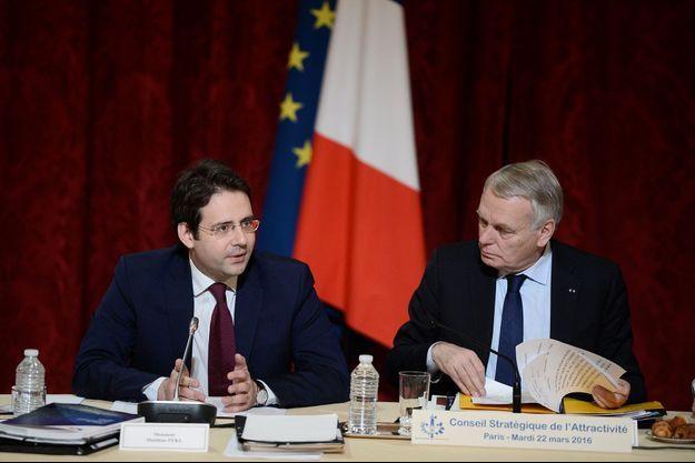 Matthias Fekl, secrétaire d'Etat chargé du Commerce extérieur, avec Jean-Marc Ayrault, en mars dernier.