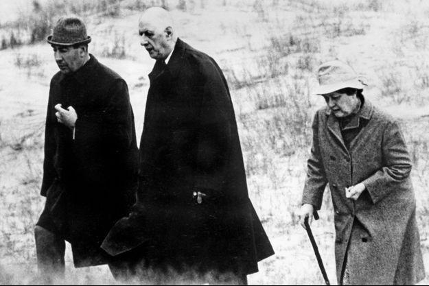 François Flohic, Charles de Gaulle et Yvonne de Gaulle en mai 1969, en Irlande.