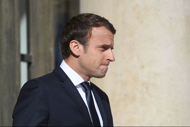 Emmanuel Macron devant l'Elysée, le 14 juin 2017 à Paris.