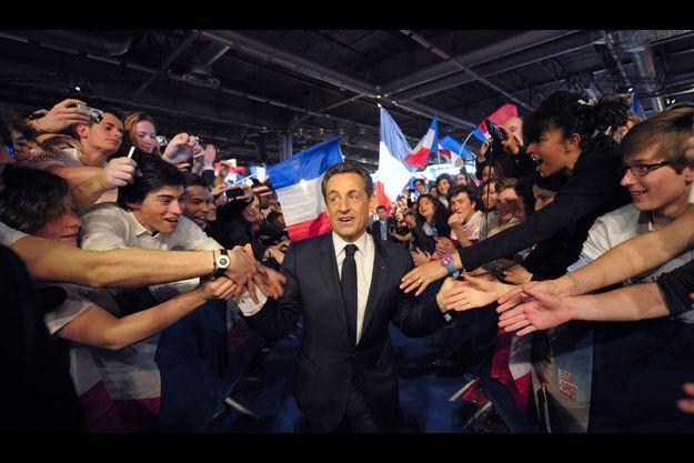 Nicolas Sarkozy lors de son grand meeting de Villepinte. Dans la semaine qui a suivi ce rassemblement, le président-candidat est passé en tête des intentions de vote au premier tour.