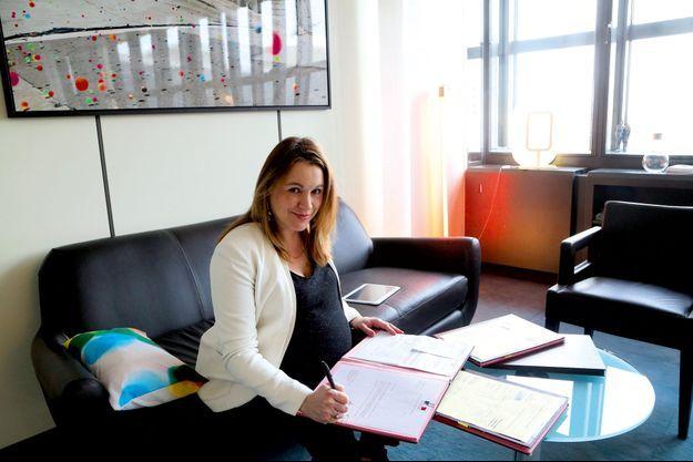 Axelle Lemaire dans son bureau du ministère, le 19 janvier 2016.