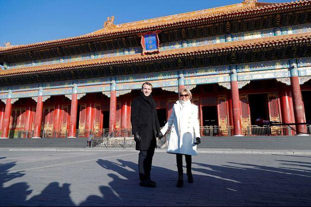 Emmanuel et Brigitte Macron à la Cité interdite en Chine.