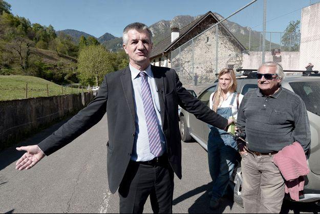 Jean Lassalle dans son fief de Lourdios-Ichère, dans les Pyrénées-Atlantiques, le 23 avril dernier.
