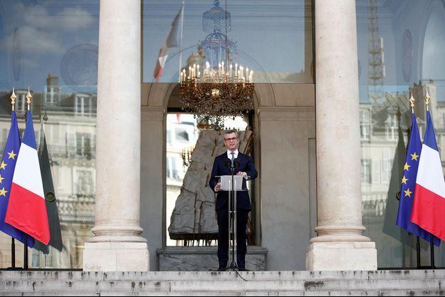 Le secrétaire général de l'Elysée Alexis Kohler annonçant le nouveau gouvernement, 6 juillet 2020.