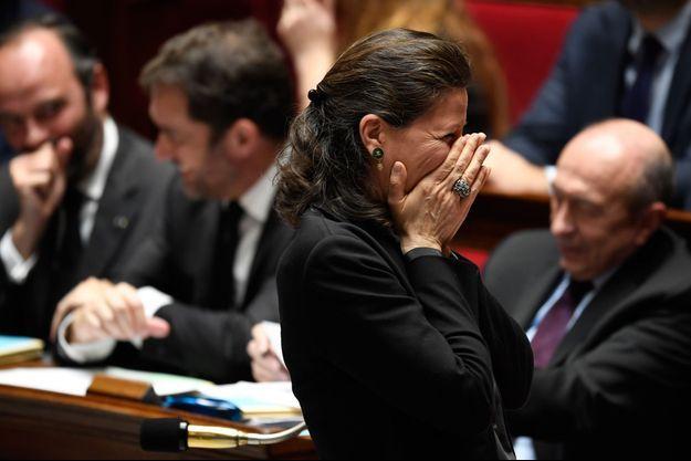Agnès Buzyn, hilare, à l'Assemblée nationale.