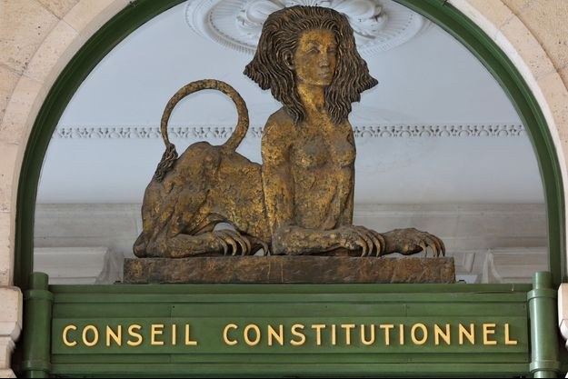 Le Conseil constitutionnel censure l'interdiction administrative de manifester.