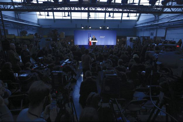 Emmanuel Macron à Bobigny, mercredi, lors de l'annonce de sa candidature.