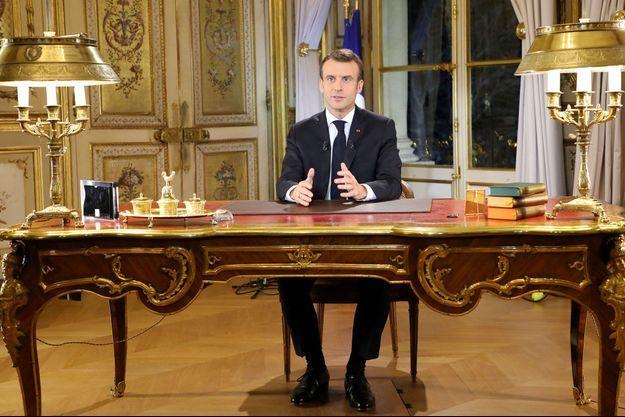 Emmanuel Macron lors de son allocution diffusée lundi soir.