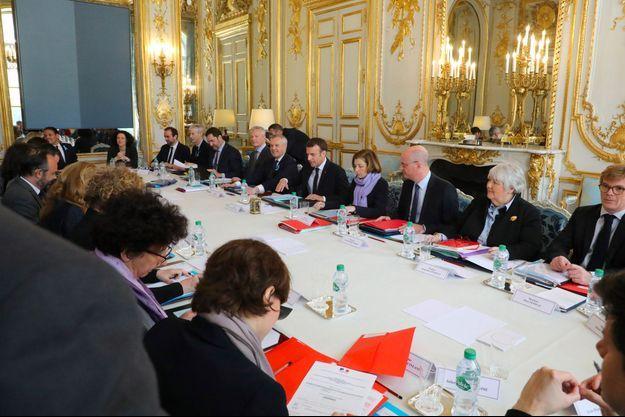 Lors du conseil des ministres du 1er avril, à l'Elysée.