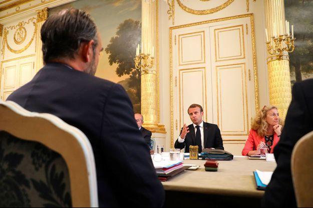 Emmanuel Macron face à Edouard Philippe lors du conseil des ministres à l'Elysée, le 5 septembre.