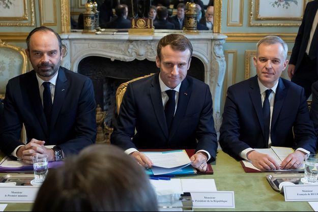 Emmanuel Macron, aux côtés d'Edouard Philippe et de François de Rugy.