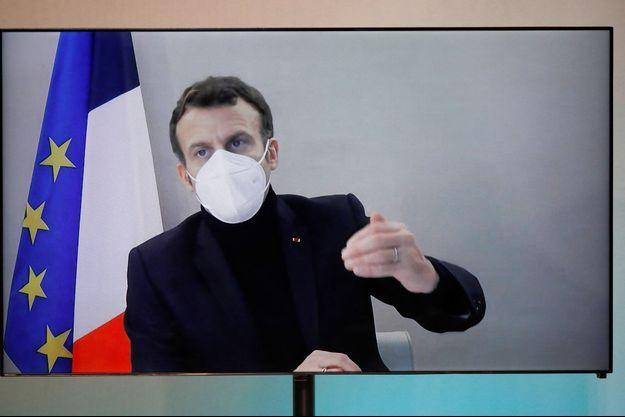 Emmanuel Macron en visio-conférence jeudi, sa première apparition depuis l'annonce de sa contamination au coroanvirus.