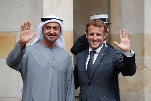 MBZ est arrivé au château de Fontainebleau, à l'est de Paris, pour un déjeuner avec le président français vers 11H45.