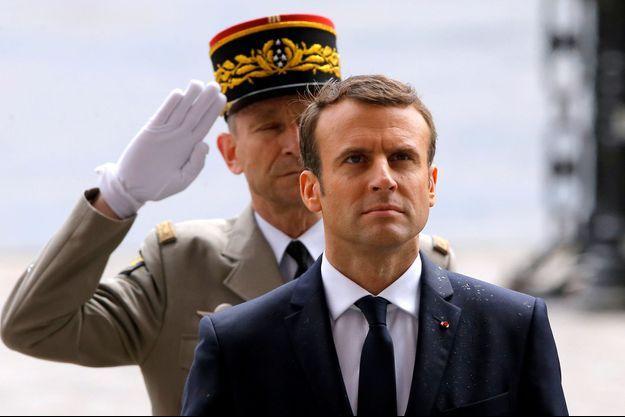 Emmanuel Macron est devenu dimanche le nouveau président de la République.